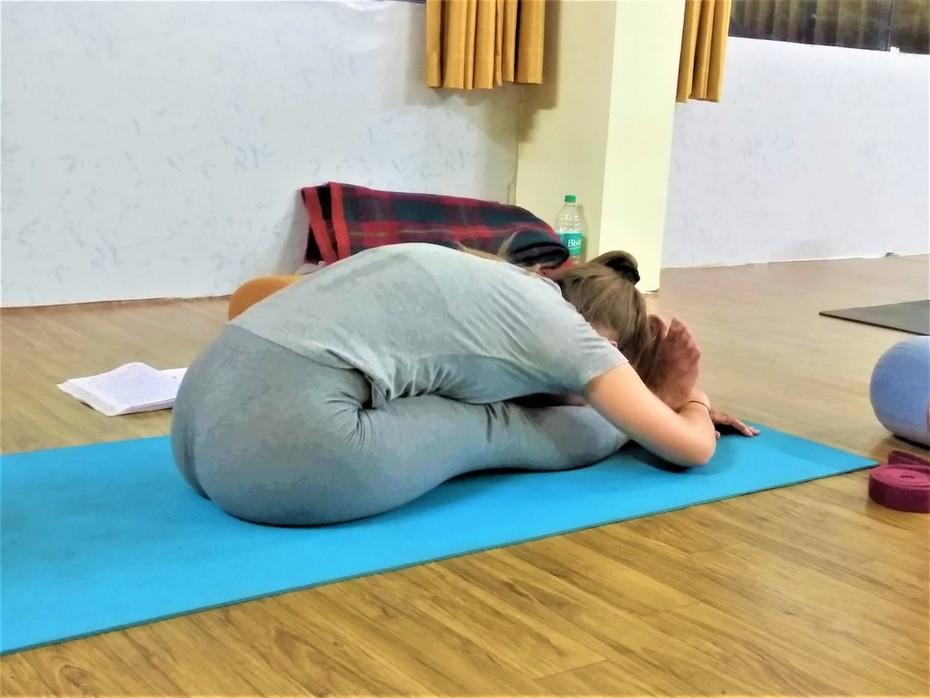 100-hour-yoga-india