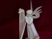 angel harpist