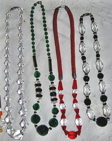 Vitage necklaces. Circa 1910 / 1930 (3)