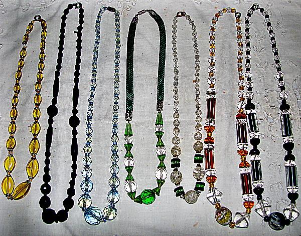 Vitage necklaces. Circa 1920 / 1930 (1)