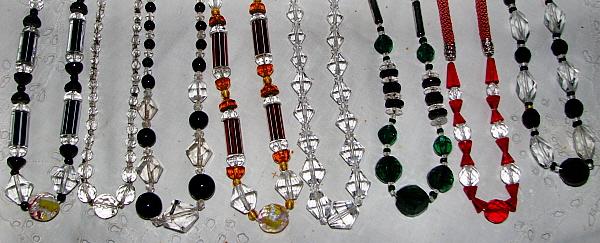 Vitage necklaces. Circa 1910 / 1930. Detail