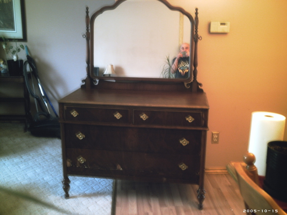 antique dresser 001