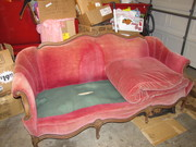 pink couch 065