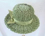 Vintage Linda Oringinal Green Straw Hat Bow