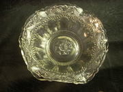 unknown pattern pressed glass bowl top