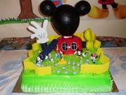 pastel de la casa de mickey mouse