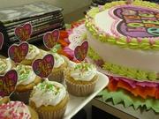 Tortya y Cupcakes para Adolescente de Amor y Paz