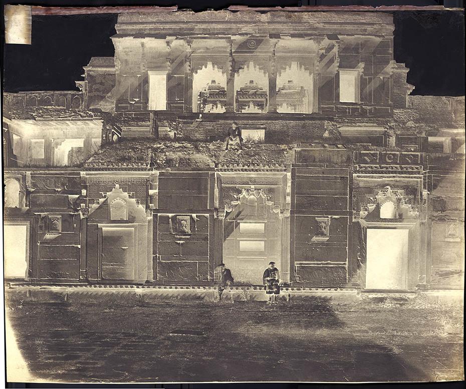 Dr. John Murray: Courtyard, Jehangir Mahal at Agra Fort, India.