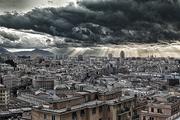 Nuvole minacciose su Genova
