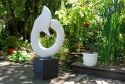 Skulptur aus edlem Stein