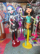 Ghoulia & Cleo (Spectra listening in)