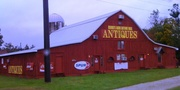 BENNIE'S BARN ANTIQUE MALL GLENDALE, KY 001