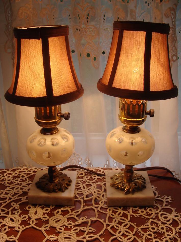 Fenton White Coin Dot Lamps