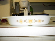 Pyrex Town and Country divided casserole