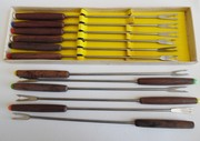 12 Fondue Forks Vintage 70s Wood Handle Stainless Steel Color Coded Original box