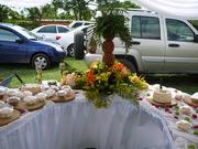 mesa de pasapalos, frutas, quesos y dulces