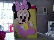 caja de regalo de minie mouse