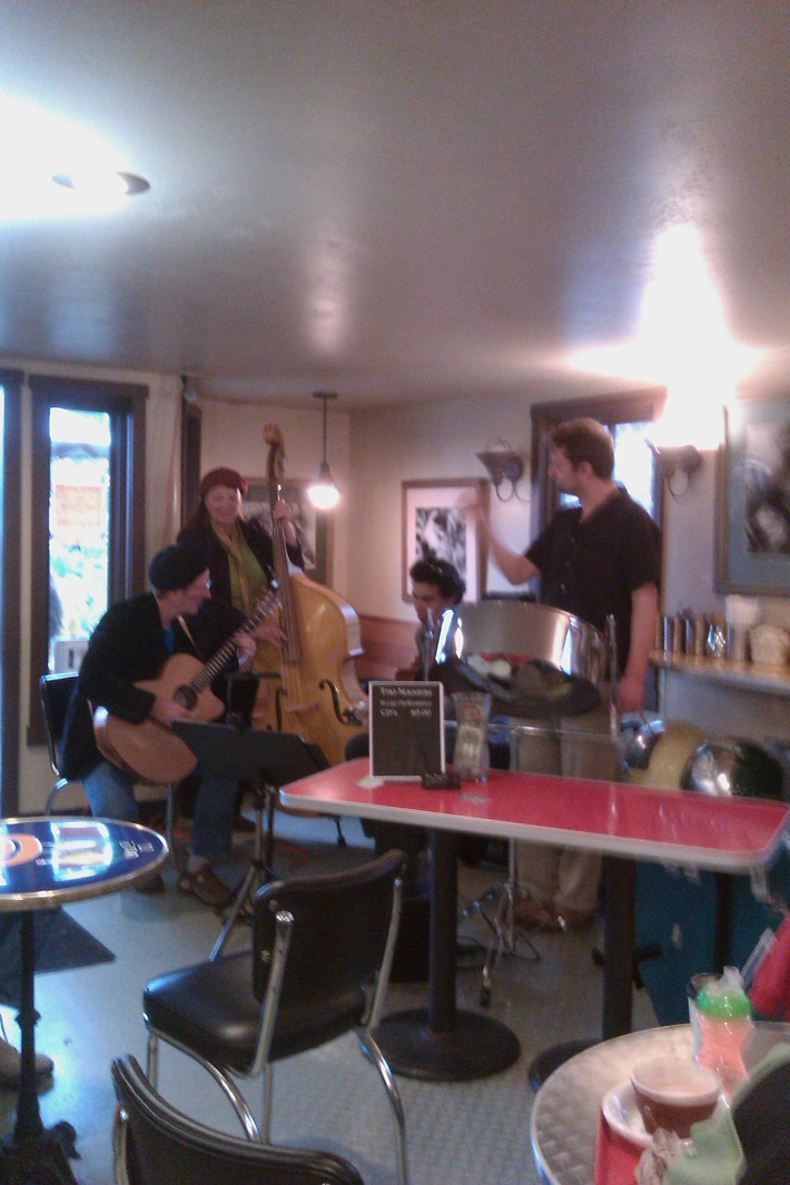 More jammin' with Django cats on Whidbey
