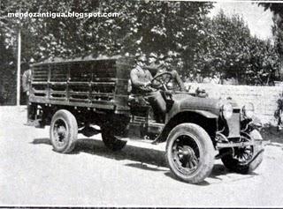 Copia de Cuerpo de Bomberos, Autobomba Republic con su dotación de personal.(Mendoza 1923)