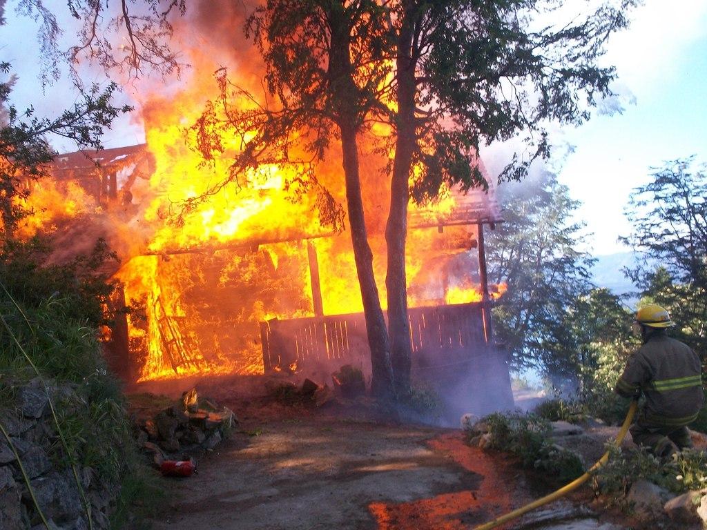 incendio en refugio(cerro otto)