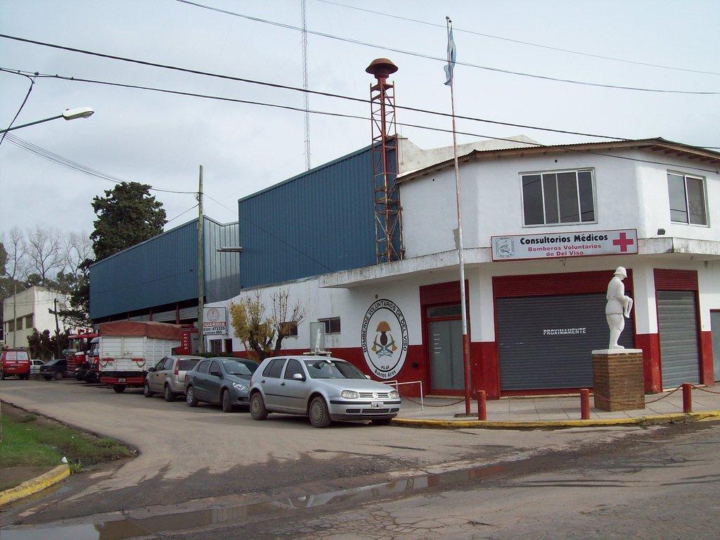 """La Hermandad de Bomberos Visita al Cuerpo de Bomberos Voluntarios de """"Del Viso"""" / Pilar en Buenos Aires, Argentina"""