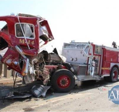 Choque de Camión de Bomberos de Tijuana / México