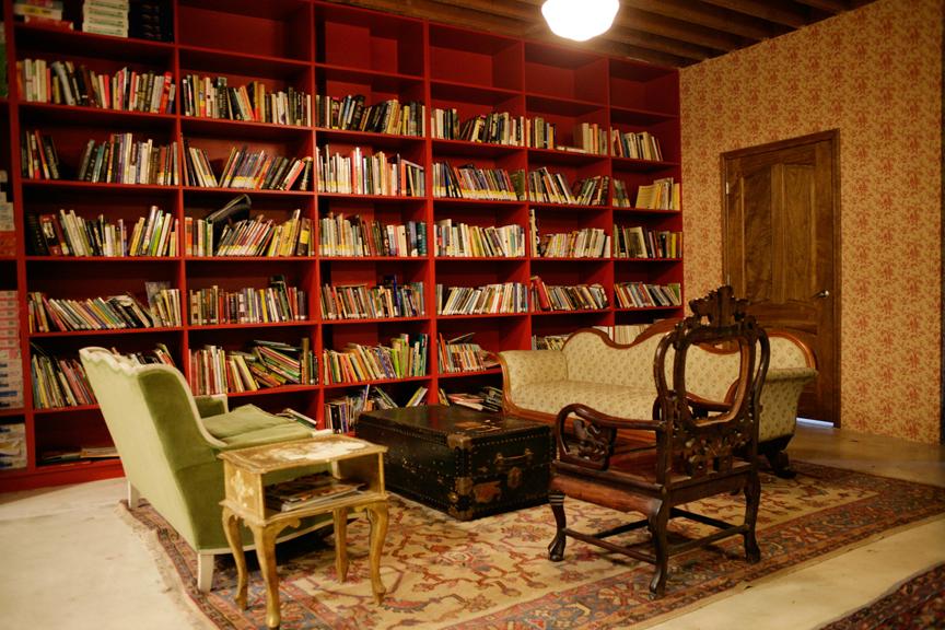 826LA Library