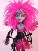 Ghoulia Monster High pink fairy 2