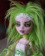 Draculaura Lime2