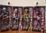 Scaris Deuce Gorgon, Draculaura, Ghoulia Yelps, and Abbey Bominable