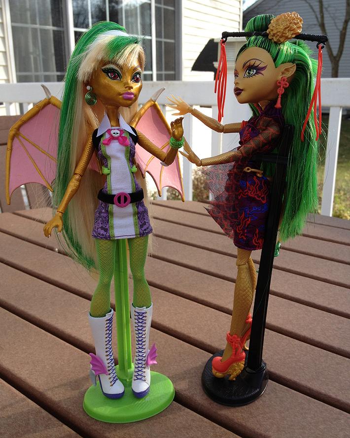 Jinafire and Draconia meet