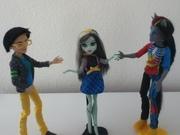 Hey zombiecorns! Frankie can't choose