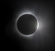 Diamon Ring at the End of Totality