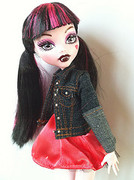 Draculaura and Clawd Gift Set!