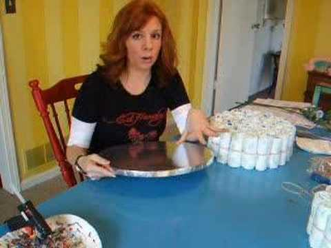 Cómo hacer una torta de pañales de BabyShower bebé!Carolyn Braden's TOIE:How to Make a Baby Diaper Cake!