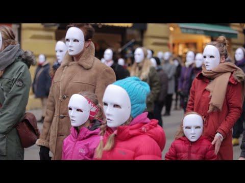 Hvorfor står 100 kvinner og skriker i Oslo sentrum? I Give You My Voice