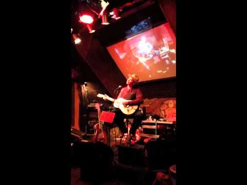 """""""Country Blues"""" Rambling Steve Gardner LIVE What the Dickens 2014"""
