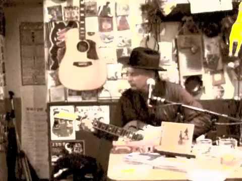 """""""Keep On Truckin' Mama"""" Rambling Steve Gardner LIVE SANBAN"""