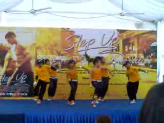 Kids dancing at hiphop dance competition