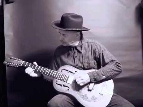 """Baby Please Don't Go"" Rambling Steve Gardner tribute to Vera Ward Hall & Big Joe Williams"