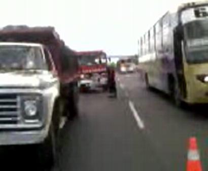 Accidente entre camiones1