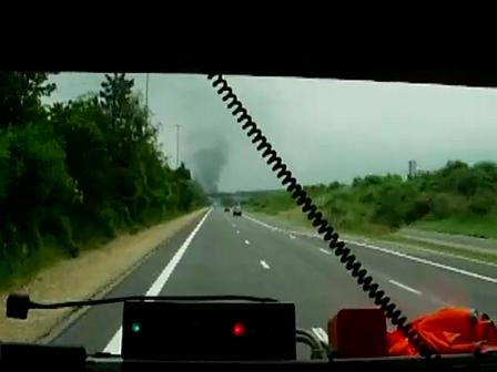 Incendie_de_camion_bomberos_francia