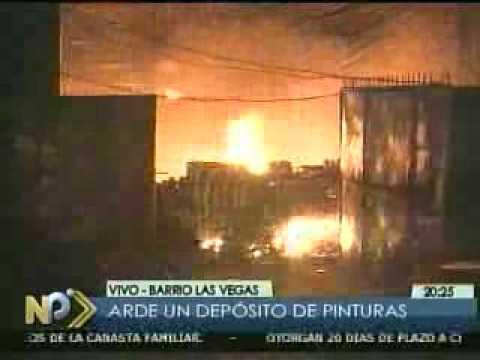 22 DE JULIO DE 2010 / INCENDIO AFECTÓ A IMPORTADORA DE PINTURAS Y VIVIENDAS / SANTA CRUZ, BOLIVIA