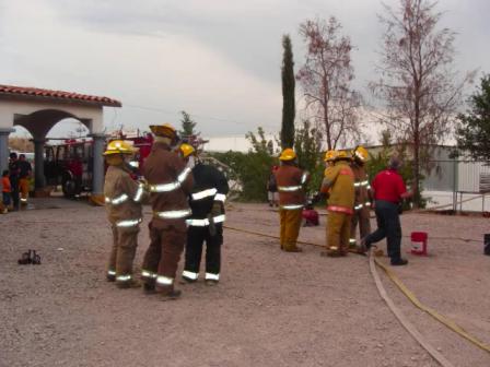Entrenamiento de incendio y Manejo del Piton / Bomberos de Nogales / Sonora, México
