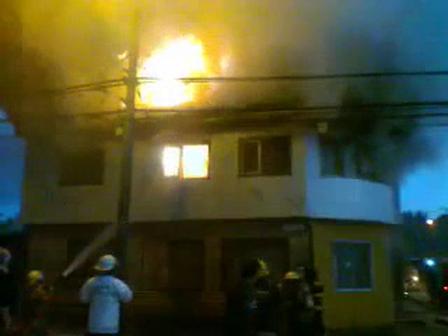 07 de Octubre de 2011 / Incendio de Vivienda en Primer Piso / Valdivia, Chile