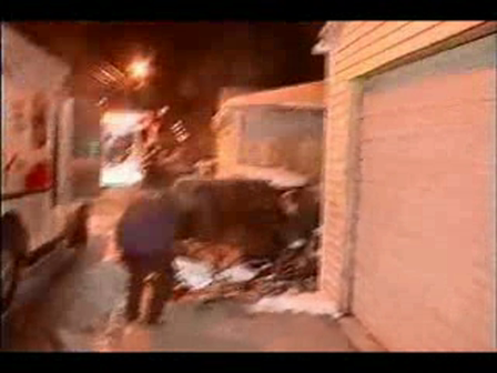 RESCATE DE NIÑOS DURANTE UN INCENDIO DE VIVIENDA EN CHICAGO / ESTADOS UNIDOS / VIDEO SUBIDO POR GEORGE RABIELA / Video Destacado de La Hermandad de Bomberos