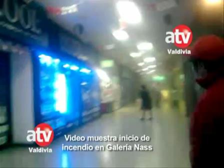 ASI COMENZÓ EL  INCENDIO GALERIA NASS DE VALDIVIA