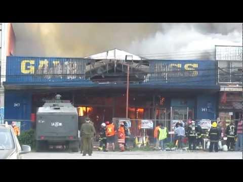 Incendio en Valdivia (galería nass), el incendio afecto a 28 locales comerciales / Valdivia, Chile