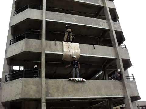 Rescate Suicida, Rapel de Impacto / Rescate Vertical, Brasil / Vídeo Destacado de La Hermandad de Bomberos
