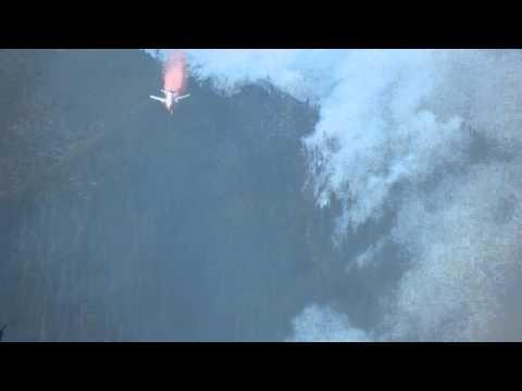 DC 10 TANQUE CISTERNA SOBRE INCENDIO FORESTAL EN CALIFORNIA / ESTADOS UNIDOS
